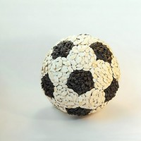 Dan Cretu ballon de foot en féves
