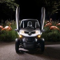 wild style Renault Twizy : flamant rose