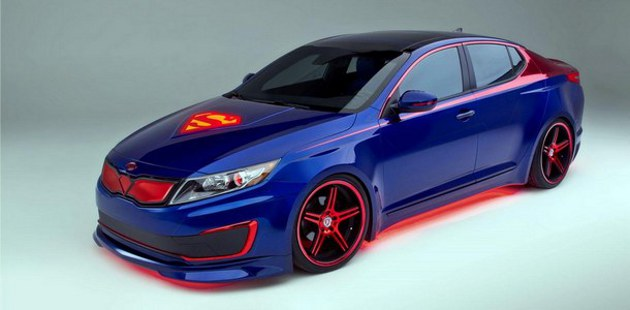 La Kia Optima hybride en version Superman