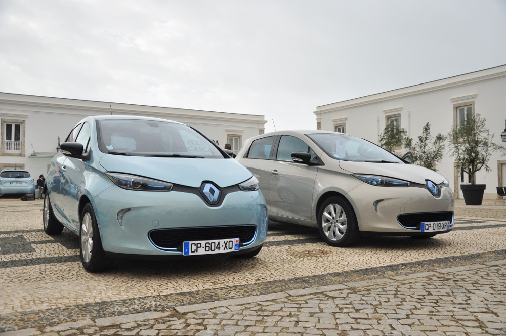 renault zoe la voiture lectrique pour tous. Black Bedroom Furniture Sets. Home Design Ideas